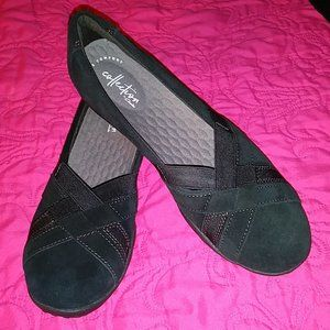 Clarks Haley Jay Flats in Black Size 10M